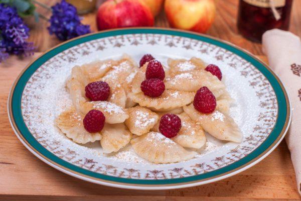 ulicske-pirohy-domace-recept-knedlicky-rucne-lepene-varene-pecene-_DSC0513